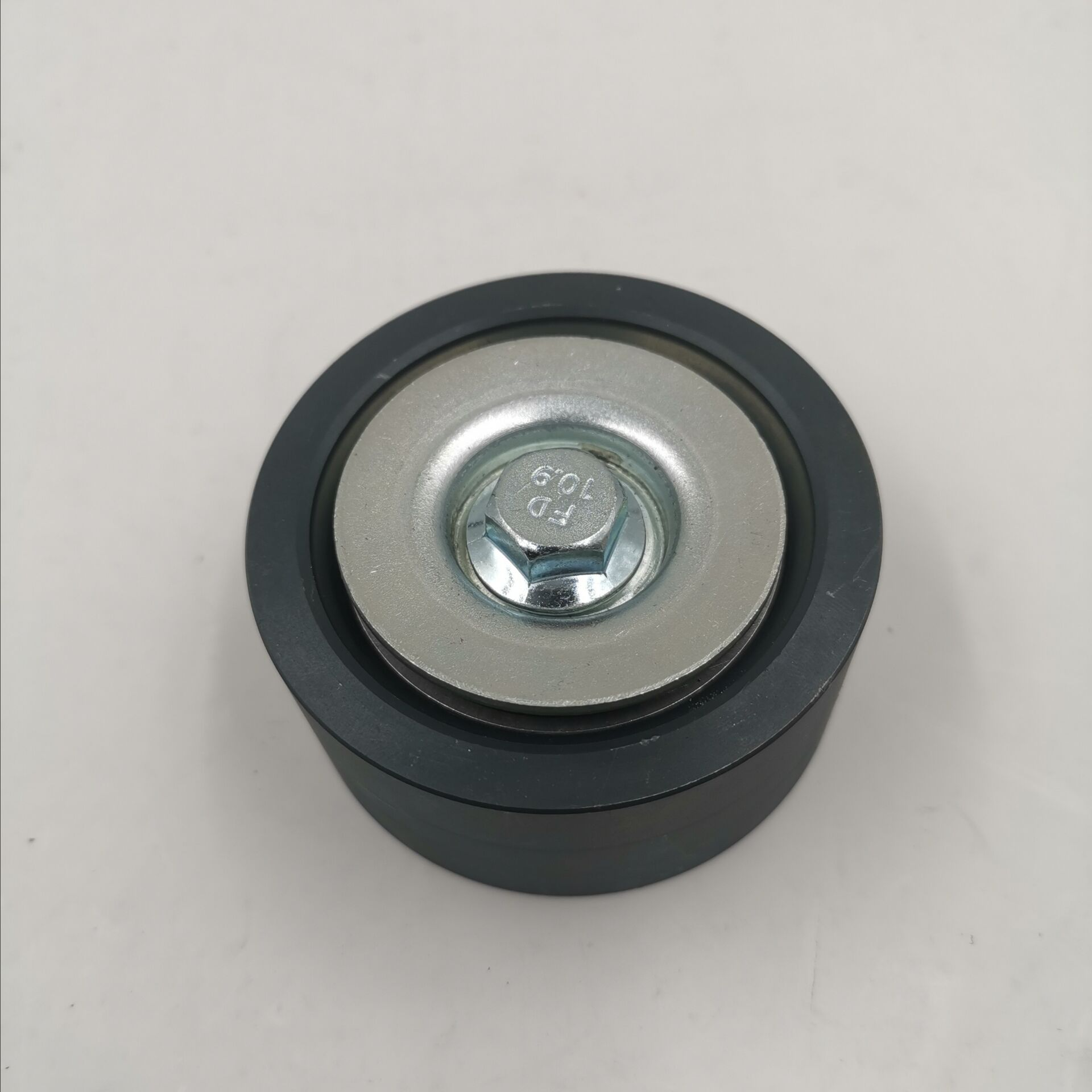TENSIONER PULLEY 04126623 FIT FOR DEUTZ