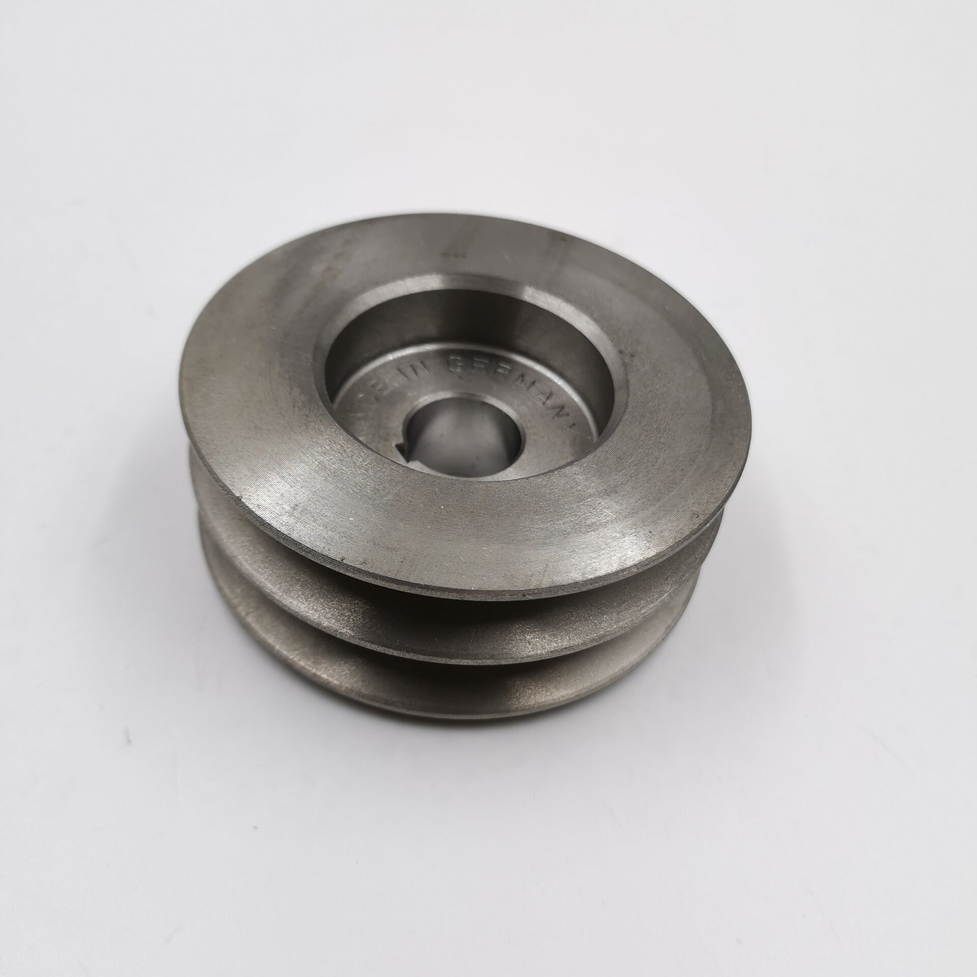 IDLE PULLEY 51261050185 FIT FOR MAN